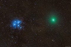 Comet 46P/Wirtanen close to the Pleiades (Martin_Heigan) Tags: comet46p wirtanen pleiades m45 starcluster sevensisters messier45 200500mm nikon nikkor astronomy astrophotography martin heigan dslrastrophotography lensastrophotography celestronavx nikonastrophotography southernhemisphere photography mhastrophoto december2018 southafrica widefield dslr christmascomet brightestcometin2018 decembercomet stars universe cosmos comet greencoma science physics astrophysics nightsky amateurastronomy d750 gasanddust weather clearskies deepsky komeet sterrekunde fisika spectrum light cometcoma greencomet thesevensisters interstellardustclouds explore flickrexplore colorsoftheuniverse coloursoftheuniverse deepspacecolors deepspacecolours deepskyobject astrometrydotnet:id=nova3108220 astrometrydotnet:status=solved starstuff mheiganmostviewedphotos seaofstars bestof2018 mostpopularphototsof2018 comet2018 astronomy2018 astrophotography2018 science2018 colorinspace elements backyardastronomy greenglow orb