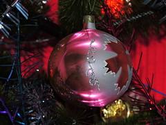 На елке новогодней / On Christmas tree (Владимир-61) Tags: новыйгод праздник советскиеновогодниеигрушки украшения шар newyear sovietnewyearstoys decoration ball nikon coolpix p600