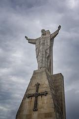 Corazón sagrado (lebeauserge.es) Tags: naranco asturias silueta arquitectura figura escultura cielo nubes