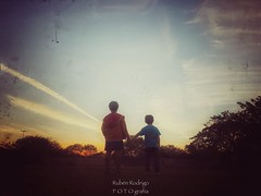 Brotherhood (Mister Blur) Tags: brotherhood paradise mérida yucatán méxico iphone xr iphoneography brothers chemtrails vapor trails dusk low pointofview pov snapseed neworder rubén rodrigo fotografía