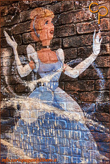 Princess on the wall (Carlo Pagan_Photo) Tags: italia italy veneto venezia principessa princess disney muro wall allaperto outdoors arte di strada street art