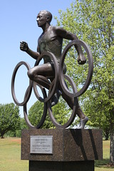 Jesse Owens Olympic Champion Statue (SeeMidTN.com (aka Brent)) Tags: oakville al alabama lawrencecounty jesseowens olympian champion statue bronze olympics olympicgames olympicrings blackhistory 1936olympics jesseowensmemorialpark bmok