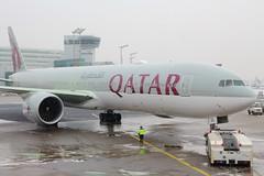 Qatar Airways (A7-BEL) (Fraser Murdoch) Tags: frankfurt am main airport fra eddf germany german push back boeing 777300er 777300 b777300er b777300 b773 773 b77w 77w heavy deice aircraft aviation plane spotting fraser murdoch canon eos 650d photography a7bel a7 bel el qr qatar qatari