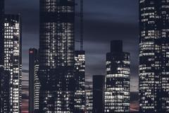 20190118-_DSC5345 (A/D-Wandler) Tags: frankfurt frankfurtammain hessen deutschland bankenviertel hochhaus wolkenkratzer blauestunde skyline lichter fassade stadt architektur gebäude taunusturm omniturm maintower himmel wolken abend silberturm gardentower