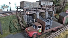 Coal Drops at Farnby. (ManOfYorkshire) Tags: farnby scale model railway train layout locomotion shildon exhibition show 2018 coal drops delivery deliveries lorry loading