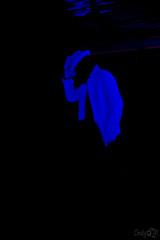 (Cindy en Israel) Tags: turismo travel tour teatro teatronegro azul fondonegro viaje vacaciones paseo crucero arte sombrero traje guantes