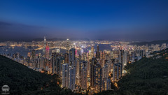 Hong Kong classic view from Victoria Peak (kenneth chin) Tags: cityscape thepeak skyterrace428 山顶广场 attraction housing building city bluehour google yahoo victoriapeak hongkong nikkor d850 nikon