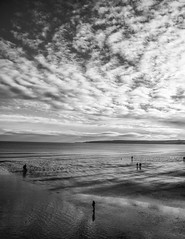 Winter Whitby Beach (jhotopf) Tags: blancoynegro noiretblanc blackwhite whitby 24120mmf4 nikon