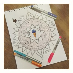 Dibujando deseos... (Sury Dayanna) Tags: beautiful draw beauty art capture magic amazing inspiration solitarywitch eclectic drawing emotions mandalas mandala moments picture momentos dibujando magia arte zen goodvibes