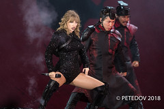 Taylor Swift (PETEDOV) Tags: livemusic musicphotography music popstar taytay taylorswift sydney canon concertphotography concert star icon