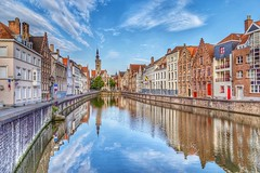 Bruge, Belgium (mtm2935) Tags: rowhouses rows architecture buildings houses neighboorhood canals brugge vlaanderen belgium