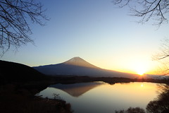The dawn is breaking (ULTRA Tama) Tags: the dawn is breaking mtfuji mtfujiwhc japan shizuoka fuji todays dayliphoto instadaily photogenic igjapan loversnippon worldcaptures flickrfriday 2019 worldheritage tabijyo genicmag retripjapan retripshizuoka explorejapan traveljapan radiof artofimages ftimes genictravel geniclife genicblue genicjapan genicphoto genictown genicsummer tabijyosummer tabijyomaptwn tabijyotravel ybs2018 flickrheroes brilliant flickr celebrities natural decay exquisitesunsets