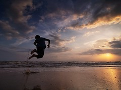 IMG_6422 ~ fun (alongbc) Tags: sunrise beach coast cloud sea sky silhouette lanjutbeach kualarompin rompin pahang malaysia travel place trip family boy children canon eos700d canoneos700d canonlens 10mm18mm wideangle happyplanet asiafavorites