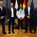Fernando Clavijo recibe a la futbolista tinerfeña Paola Hernández