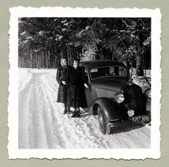 "Mercedes-Benz 170 V (Vintage Cars & People) Tags: vintage classic black white ""blackwhite"" sw photo foto photography automobile car cars motor mercedes mercedesbenz w136 170 mercedes170 woman lady 1950s snow winter landscape forest road fashion coat furcoat headscarf"