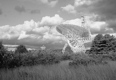 GBT and the 140-ft, B&W (lewisfrancis) Tags: fujichromeprovia100f film analog telescope radioastronomy astronomy gbt superikonta zeiss ikon 120 greenbank bw monochrome zeisikonsuperikontaii 6x9