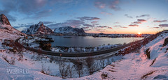 Sunrise in Reine