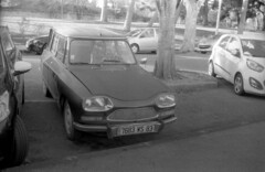9344.Car (Greg.photographie) Tags: canon eos eos1n voigtlander ultron 40mm f2 film analog foma fomapan 100 r09 standdev noiretblanc bw blackandwhite car auto voiture