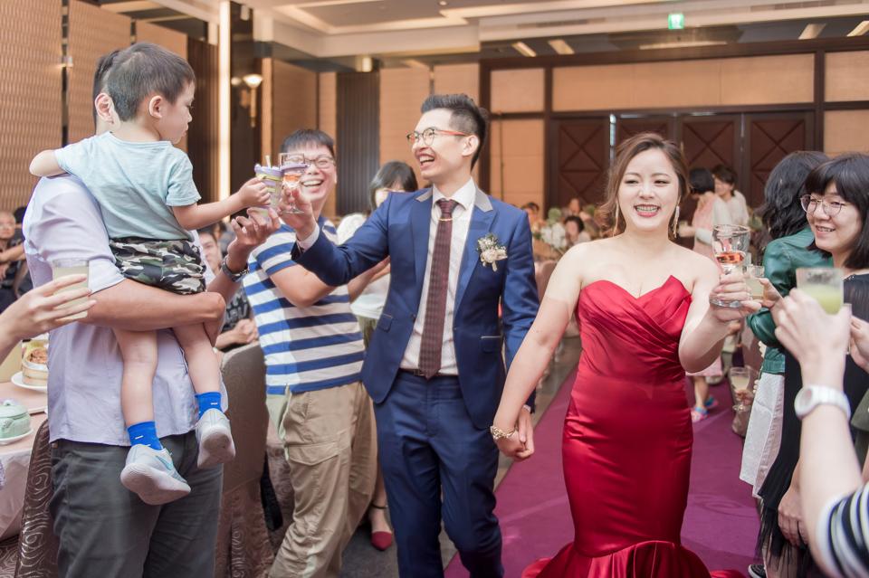 台南東東宴會式場 婚宴 走在幸福的紅毯上 R & B 131
