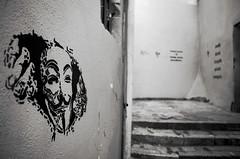 Passager clandestin (Atreides59) Tags: graff graffiti lyon rhone rhône france urban urbain street black white bw blackandwhite noir blanc nb noiretblanc pentax k30 k 30 pentaxart atreides atreides59 cedriclafrance