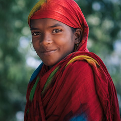 Colours of India (Frank Busch) Tags: frankbusch frankbuschphotography imagebyfrankbusch photobyfrankbusch asia colourful girl india people portrait smile traditional travel travelling travelphotography tribal wwwfrankbuschname