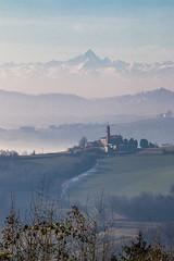 Monferrato con lo sfondo del Monviso (Marco Ottaviani on/off) Tags: italia piemonte monferrato robella tuffo cocconato monviso cartolina nebbia panorama marcoottaviani