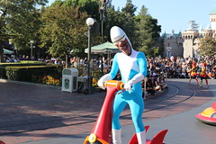 "Frozone - Pixar Play Parade • <a style=""font-size:0.8em;"" href=""http://www.flickr.com/photos/28558260@N04/46042154551/"" target=""_blank"">View on Flickr</a>"
