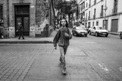 ACTITUD (ERNESTOMG) Tags: fotografia de calle ciudad mexico cdmx black white blanco y negro street photography