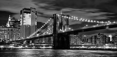 Brooklyn Bridge NYC (K&S-Fotografie) Tags: bridge newyork brooklyn water sw night availablelight bulb cityscape architecture sky lights brücke