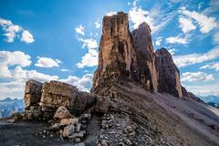 Tre cime di Lavaredo 2 (BZ) (Ondablv) Tags: alpino nuvole bolzano alto adige bosco abeti massiccio ondablv alberi trentino dolomiti tre cime lavaredo controluce