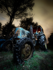 Tractor Vintage (Javichu Fotografia) Tags: nightphotography olympus lightpainting tractor nocturnas rustycars abandonedcar picture pictures art instagood picoftheday photooftheday color longexposure