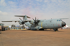 ZM411 Airbus A400 Atlas C1 Royal Air Force RIAT RAF Fairford 13th July 2018 (michael_hibbins) Tags: zm411 airbus a400 atlas c1 royal air force riat raf fairford 13th july 2018 transport cargo freighter freight defence strategic military aircraft aeroplane aviation aerospace airplane aero airshow prop private props propeller turboprop turbos turbo