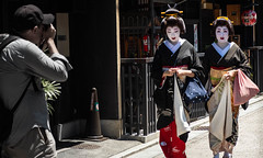 Le photographe (Coeur de nomade) Tags: kyoto japon2018 asie asiedelestorientale continentsetpays asia asieorientale jp jpn japan eastasia