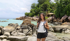 Samantha exploring Pattaya beach on Koh Lipe (B℮n) Tags: kolipe kohlipe เกาะหลีเป๊ะ kohlippy adangrawi archipelago ploysiam national park kohturatao koturatao kohlipeh nationalparkkohtarutao tarutao bounty island thailand andamansea sandy beach snorkling coral reef tropical fish nemo protectedarea palmtree coconuts crystal clear water seawater siam nature reserve province blue cyan thai deserted girl woman relax paradise swimming solitude jungle green lush forest path trail hiking portrait chareenahillbeachresort pattayabeach
