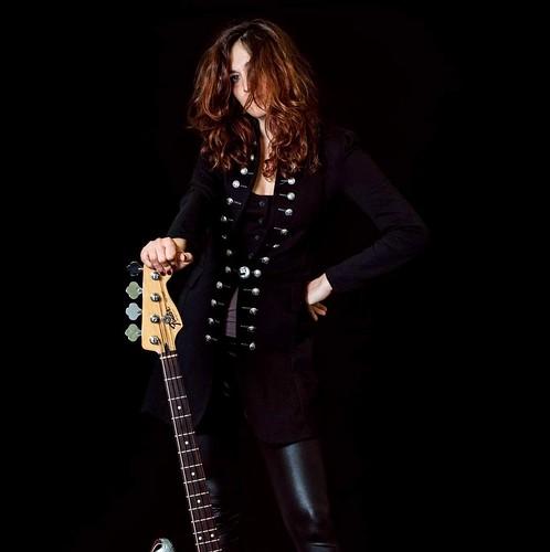 La Banalità del Nulla 🎸 #bassista #rock #sperimentale #indie #musicaoriginale #folk #bassplayer #sottosuolo #musica #concerti 🌹 #girls #underground 🙌 #bassguitar #webtv #live #webtvmusicale #tibervalley #italy #roma #italia :camer