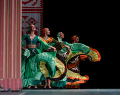 Stage colours (listera_ovata) Tags: turkey ukraine culture kültür folk folklör stage sahne art stagephotography manualfocus legacy olympusem5 om50mmf14