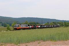 """Hectorrail 242.504 """"Mr. Potatoe Head"""" am 23.05.2018 mit einem Autozug in Haunetal-Neukirchen (Eisenbahner101) Tags:"""