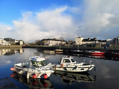 The Claddagh Basin (mcginley2012) Tags: boats buoy galway ireland p20pro cameraphone canal water urban city colour huaweip20pro buoyant yearend19