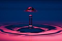 Roter Hut (CHWVB) Tags: waterdrop dropondrop wassertropfen splash wasser water tropfenfotografie macro hochgeschwimdigkeit highspeed drop tropfen