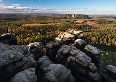 Morgensonne über der sächsischen Schweiz (lebastian) Tags: panasonic dmcgx8 olympus m1240mm f28 sächsische schweiz saxony sachsen elbsandsteingebirge