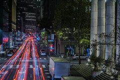 saturday night east bay exodus (pbo31) Tags: sanfrancisco california nikon d810 color night city november 2018 boury pbo31 lightstream motion traffic roadway over financialdistrict infinity red