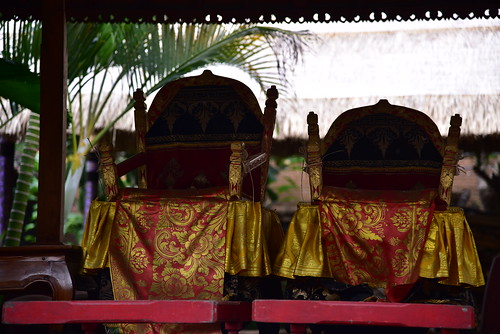 These two thrones are probably part of the temple dances?