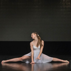 20181027-_NZ79967 (ilvic) Tags: dance dans danse danza taniec tanz ostrówwielkopolski greaterpolandvoivodeship poland pl