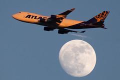 N419MC Boeing 747-48EF(SCD) Atlas Air (SamCom) Tags: b744 n419mc boeing 74748efscd atlasair atlas moon kdfw dfw dallasfortworthinternational foundersplaza