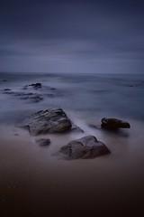 Figueira da Foz (jaume vaello) Tags: nikon nikond7200 sigma1020 leefilters leend09 leend06 longexposure largaexposición mar marinas rocas rocks figueiradafoz portugal amanecer manfroto jaumevaello