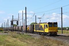 3700 coal locos (Aussie foamer) Tags: 3712 3700class 3272 3200class ugl goninan qr queenslandrail queenslandnational qrn qrnational aurizon coaltrain yukan queensland train railway locomotive rpauqld3700class rpauqld3700class3712