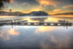 Morning mist on the lake (Yer Photo Xpression) Tags: ronmayhew canoneos5dmarkiv lakelanier littlehallpark dock sunrise lake water reflection cloud fog