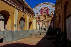Iglesia destruida por un terremoto en La Rioja, Argentina.  Eglise détruite par un tremblement de terre à La Rioja, en Argentine. (alejaviveg) Tags: church iglesia terremoto argentina azul blue