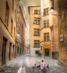 Pink girl (Jean-Michel Priaux) Tags: girl child lyon france medieval rue city alley path passage patrimony house backstreet priaux hdr lumix g81 place fairytale poetic story