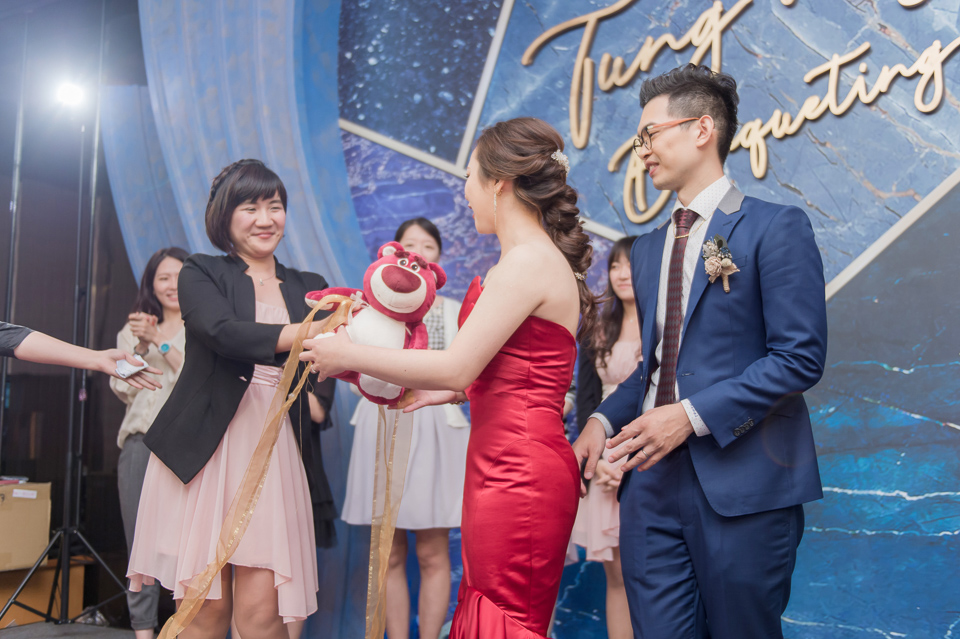 台南東東宴會式場 婚宴 走在幸福的紅毯上 R & B 151